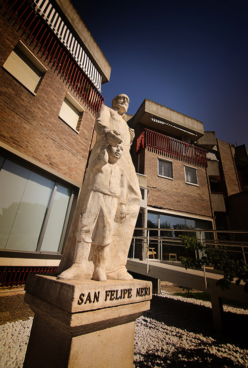 SFN-entrada-estatua